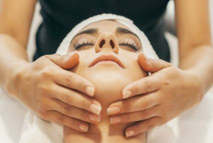 Extraction wars: Aestheticians face off over pore pressure