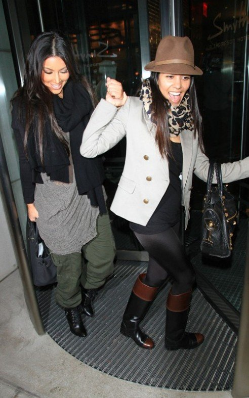 kourtney and kim kardashian check into the Smyth Hotel in Tribeca