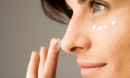 cream under eye concealer beauty tips sixdifferentways.com