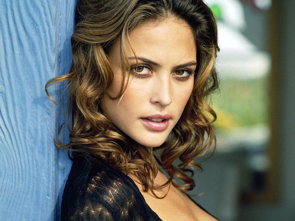 Josie Maran's expert model makeup tips | Well+Good: www.wellandgood.com/2011/07/22/josie-marans-expert-model-makeup-tips