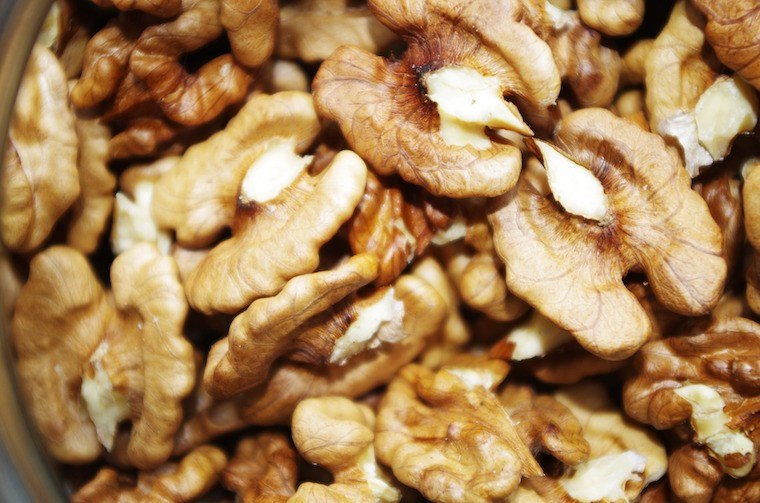 walnuts-happy-foods