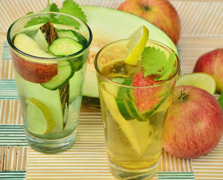 Thumbnail for 10 HEALTHY USES FOR APPLE CIDER VINEGAR
