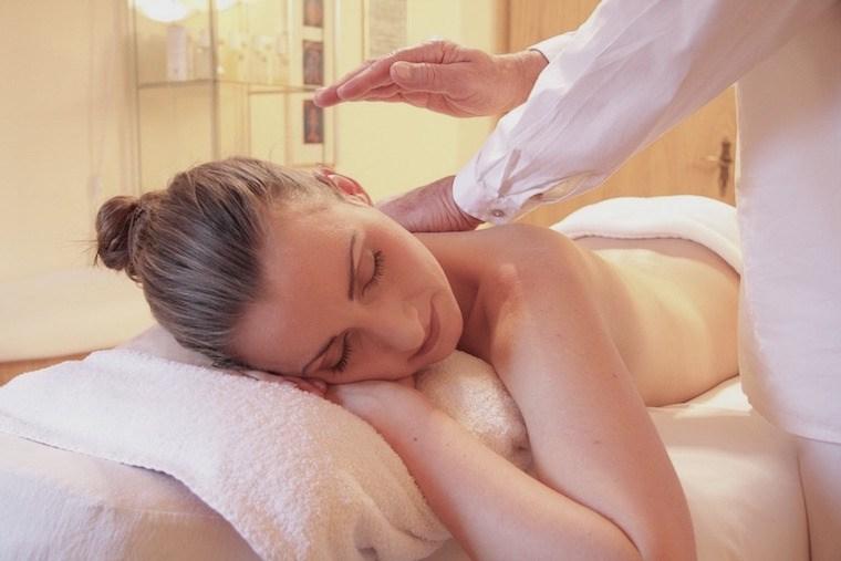 massage-oil-coconut-oil