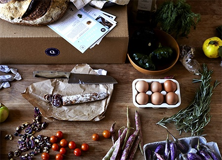 Have the farmers' market delivered to you with Quinciple's carefully curated boxes. (Photo: Quinciple)