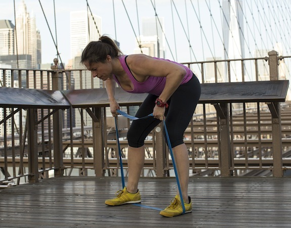 bent-over-back-row-ariane-hundt-resistance-band-workout