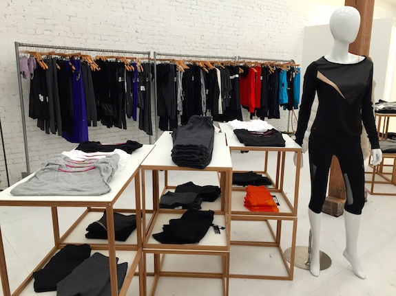 Deka-nyc-workout-clothes-for-women-4