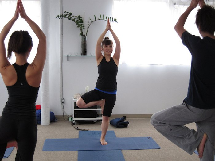 4 etiquette rules you really need to know before you try yoga
