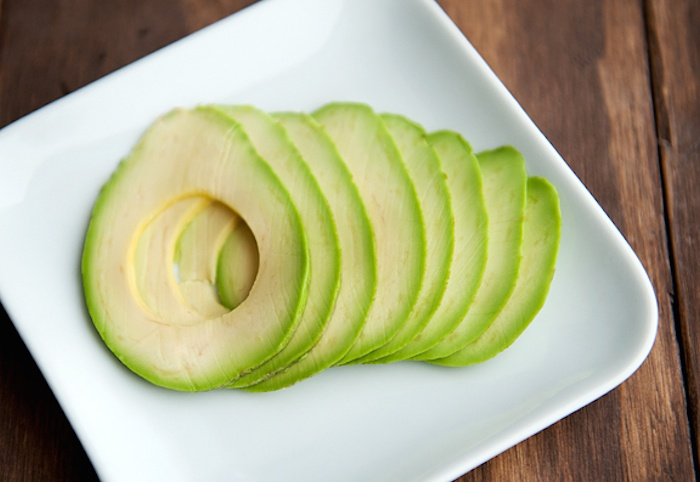 slicing-avocado8