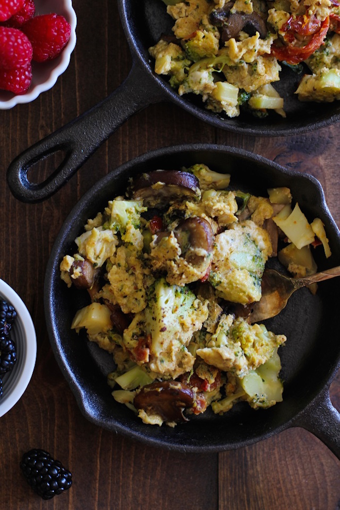 broccoli_mushroom_sun_dried_tomato_scramble_2