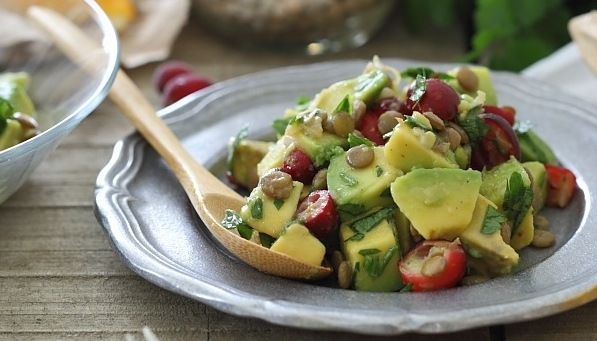 Running-to-the-Kitchen-Avocado-Lentil-Cranberry-Salad