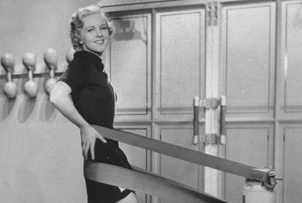 Slenderizing salons, reducing machines, and other hot fitness crazes of 75 years ago