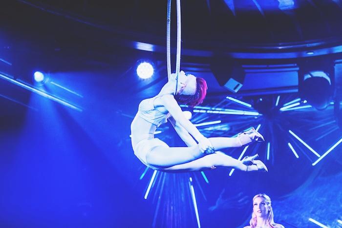 Queen of the Night acrobats