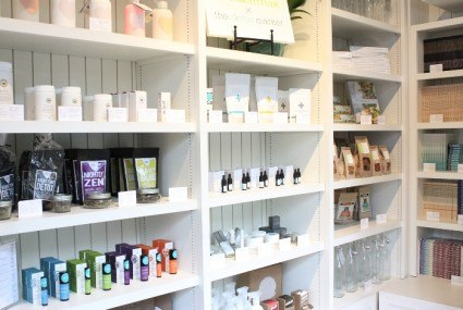 You can now score cult organic beauty products at Café Gratitude