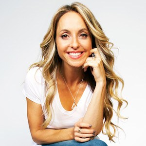 Thumbnail for Take a one-minute gratitude break with Gabrielle Bernstein