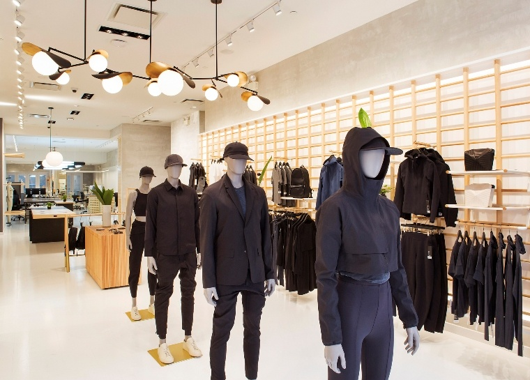 Lululemon Outlet Sale, 70% Off On Sale. Yay! for all fashion craving New Yorkers! Scoop NYC has just announced The Scoop NYC Warehouse Sale will begin this Thursday August, 15th and previous through Labor Day Week-end.