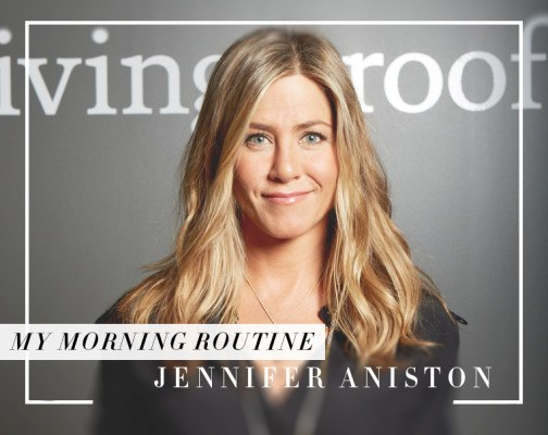 Jennifer Aniston swears this smoothie-boosting powder makes her skin glow