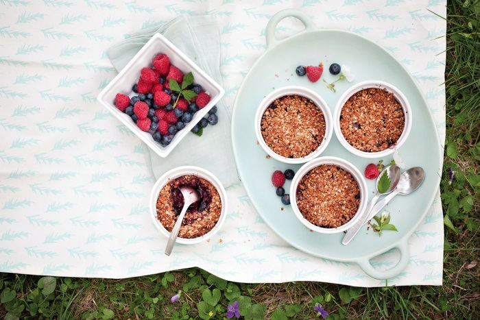 Mixed-Berry-Crumble-Pots