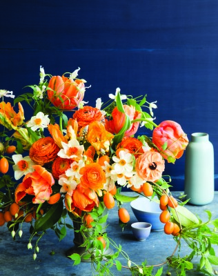 5 easy steps to DIY a floral arrangement that'll make you (or mom) happier