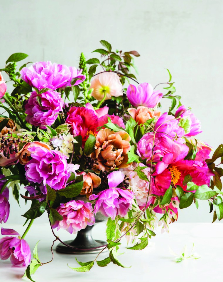 Thumbnail for 5 easy steps to DIY a floral arrangement that'll make you (or mom) happier
