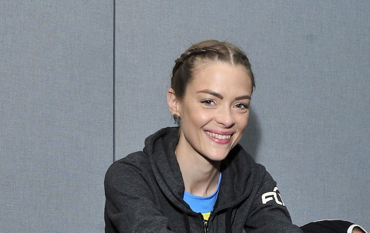 Thumbnail for Everything you need to know about the dance world, according to Jaime King