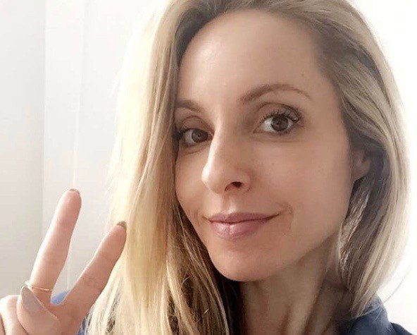 Thumbnail for Gabrielle Bernstein's genius 10-minute trick for shaking off anxiety and getting un-stuck