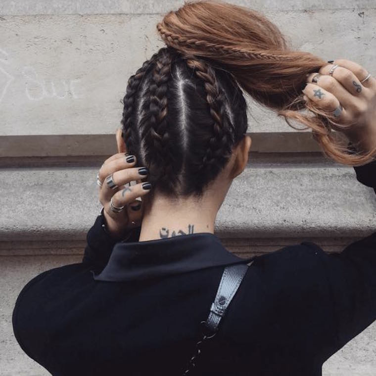 How to get a perfect ponytail in two steps
