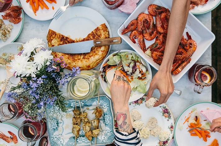 Throw a stress-free, super-memorable dinner party