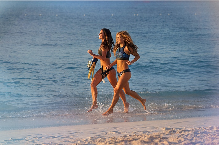 Go on a beach run with the Tone It Up duo