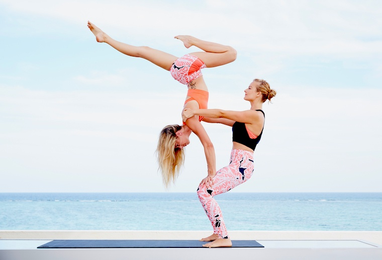 alo-yoga-leggings-featured