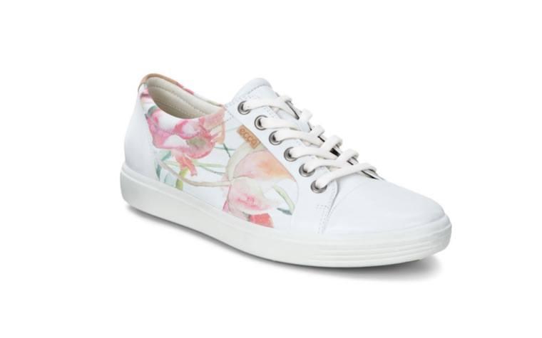 ecco-white-sneakers