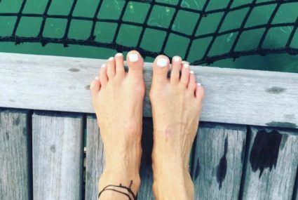Elle Macpherson's 5 tips for glowing summer skin
