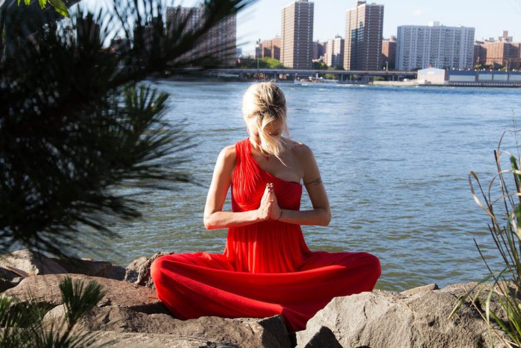 This outdoor meditation is a genius de-stressing tool