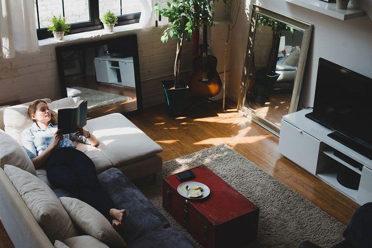 Stocksy-Relaxing-Lauren-Naefe