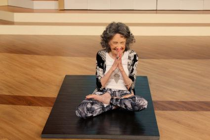 3 simple happiness tips from the world's oldest yoga teacher