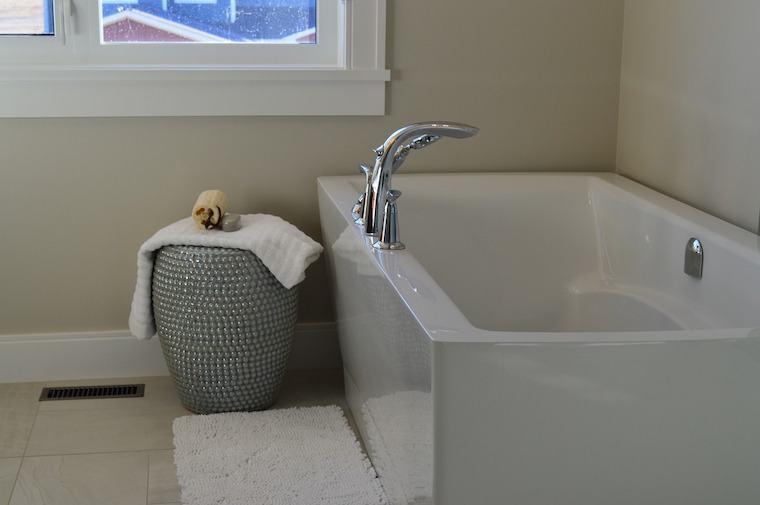 bathtub-1078865_1280