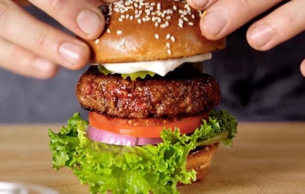 "The vegan ""bleeding"" burger has won the heart of this meat-loving chef"