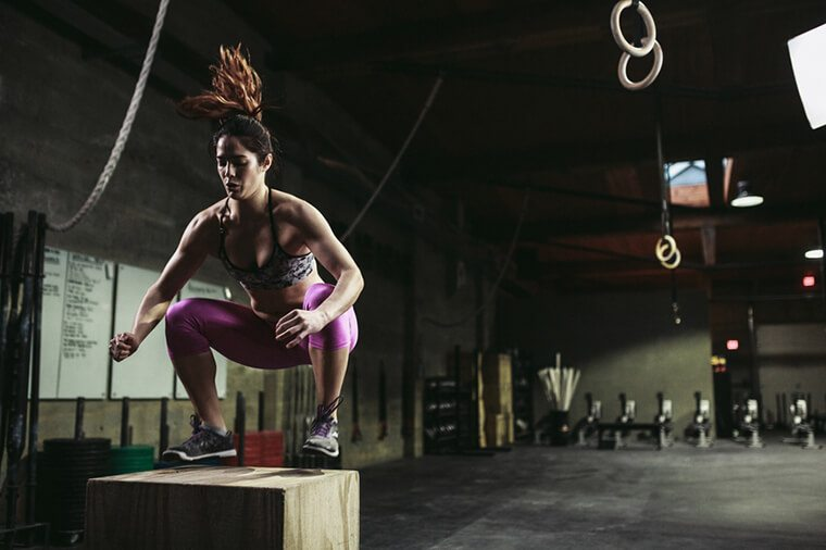 CrossFit-woman-Box-Jump