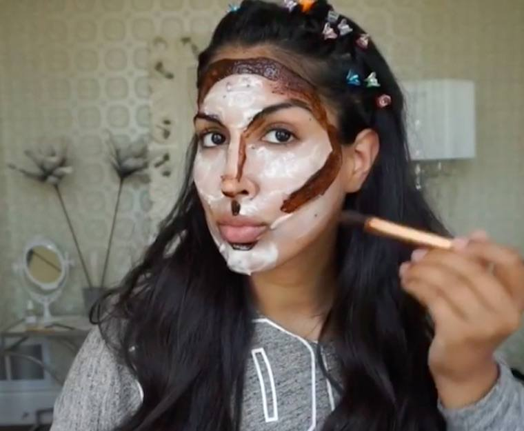 Thumbnail for You have to see this Instagrammer's no-makeup contouring tutorial