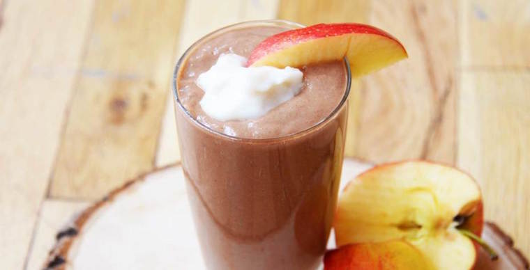 Thumbnail for These apple smoothie recipes are a total fall game-changer