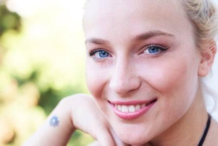 How facial oils give you glowing skin, not zits