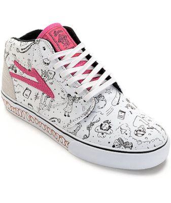 lena-dunham-sneaker-2