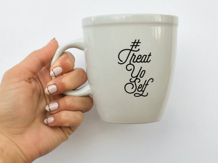 Thumbnail for 5 winter manicure trends to know (or DIY), from LA's newest non-toxic nail salon