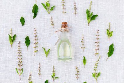 5 seriously brilliant ways to use tea tree oil