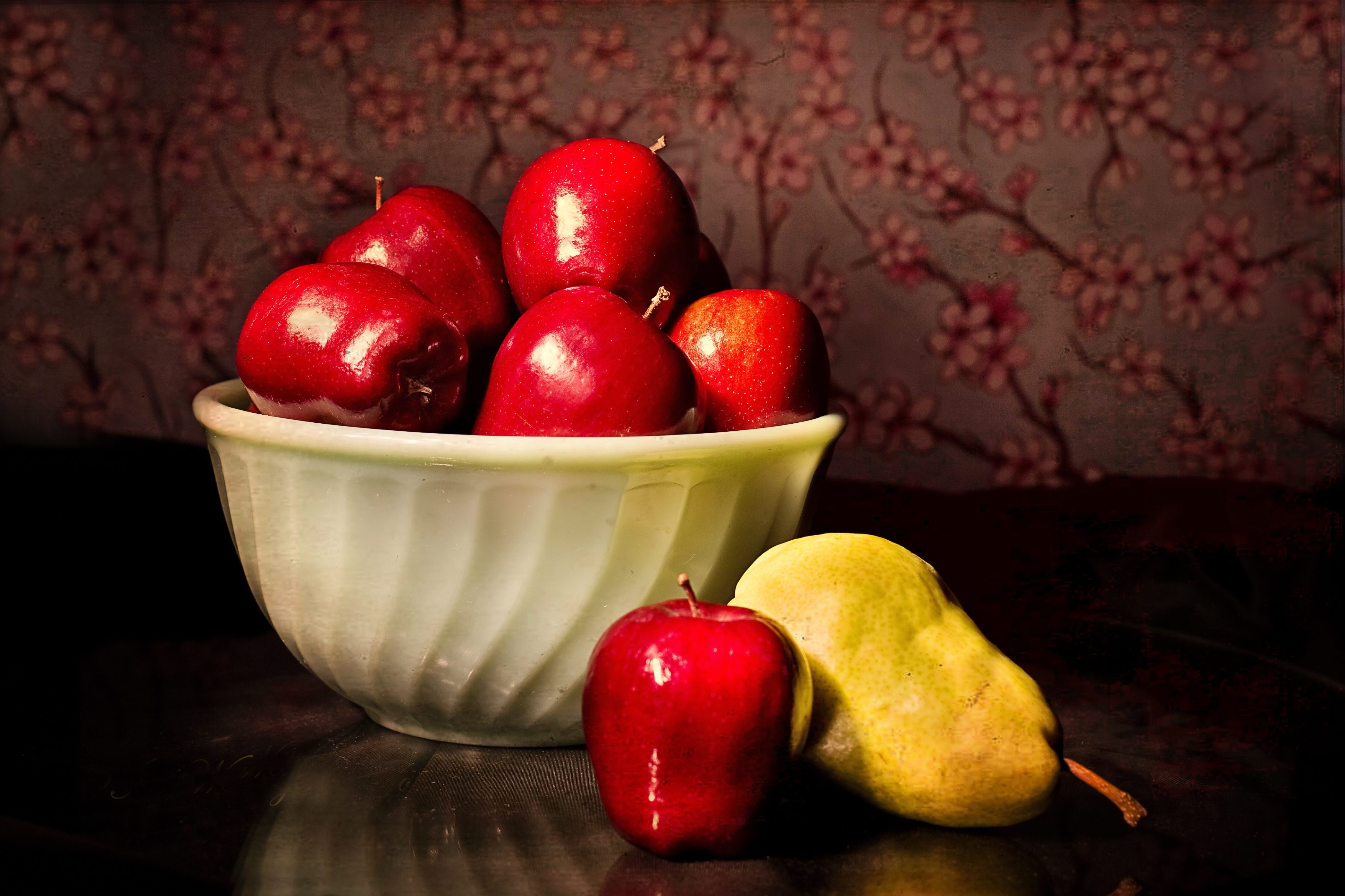 Apples, pears, peaches, asparagus, and artichokes FODMAP foods