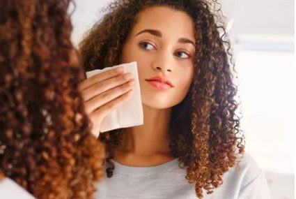The 7 best natural makeup remover wipes