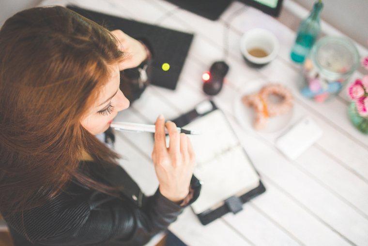 woman-hand-desk-office-adderall