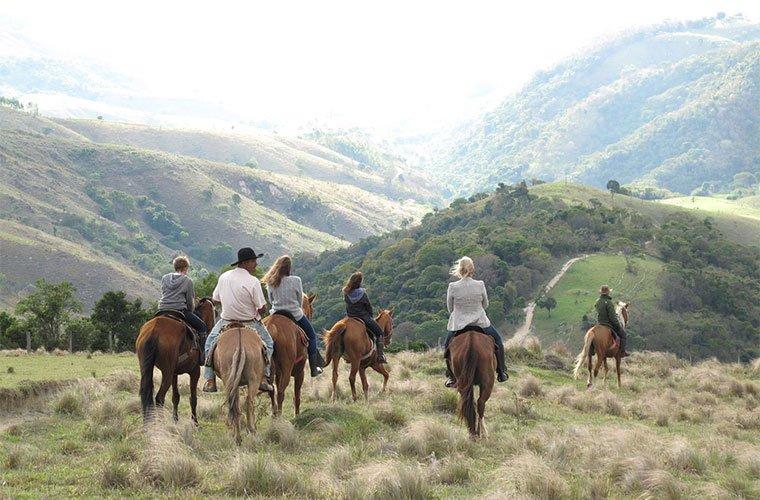 wellness-destinations-fazenda-catuc%cc%a7aba-horseback-riding