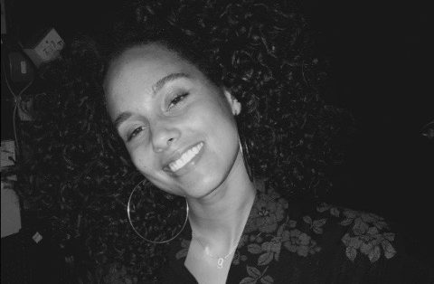 Thumbnail for The one thing Alicia Keys cut out to clear up her skin