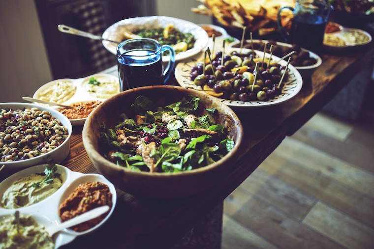 nutritionists plans for how to eat healthy at holiday parties: tip 1