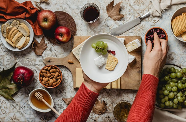 nutritionists plans for how to eat healthy at holiday parties: tip 2